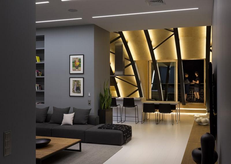 lemonbe-El techo resalta en este departamento como elemento decorativo-07