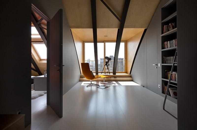lemonbe-El techo resalta en este departamento como elemento decorativo-10