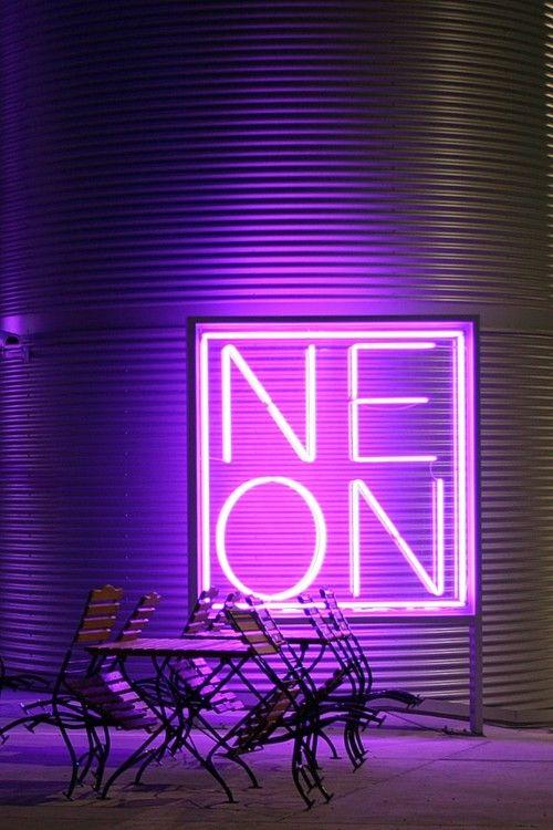 LEMONBE_Decoracion con letreros luminosos_06