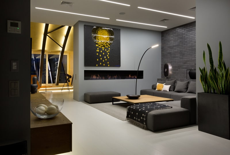 lemonbe-El techo resalta en este departamento como elemento decorativo-05