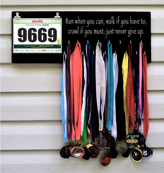 lemonbe-Ideas para organizar trofeos y medallas-09
